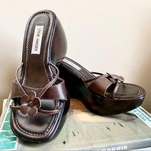VTG Steve Madden Rosiee Platform 90s Style Sandals